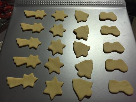 Galletas navideñas listas para hornear